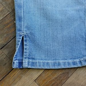 True Religion Shorts - True Religion bermuda shorts low rise size 28